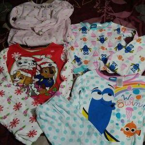 Girl's pajamas size 5